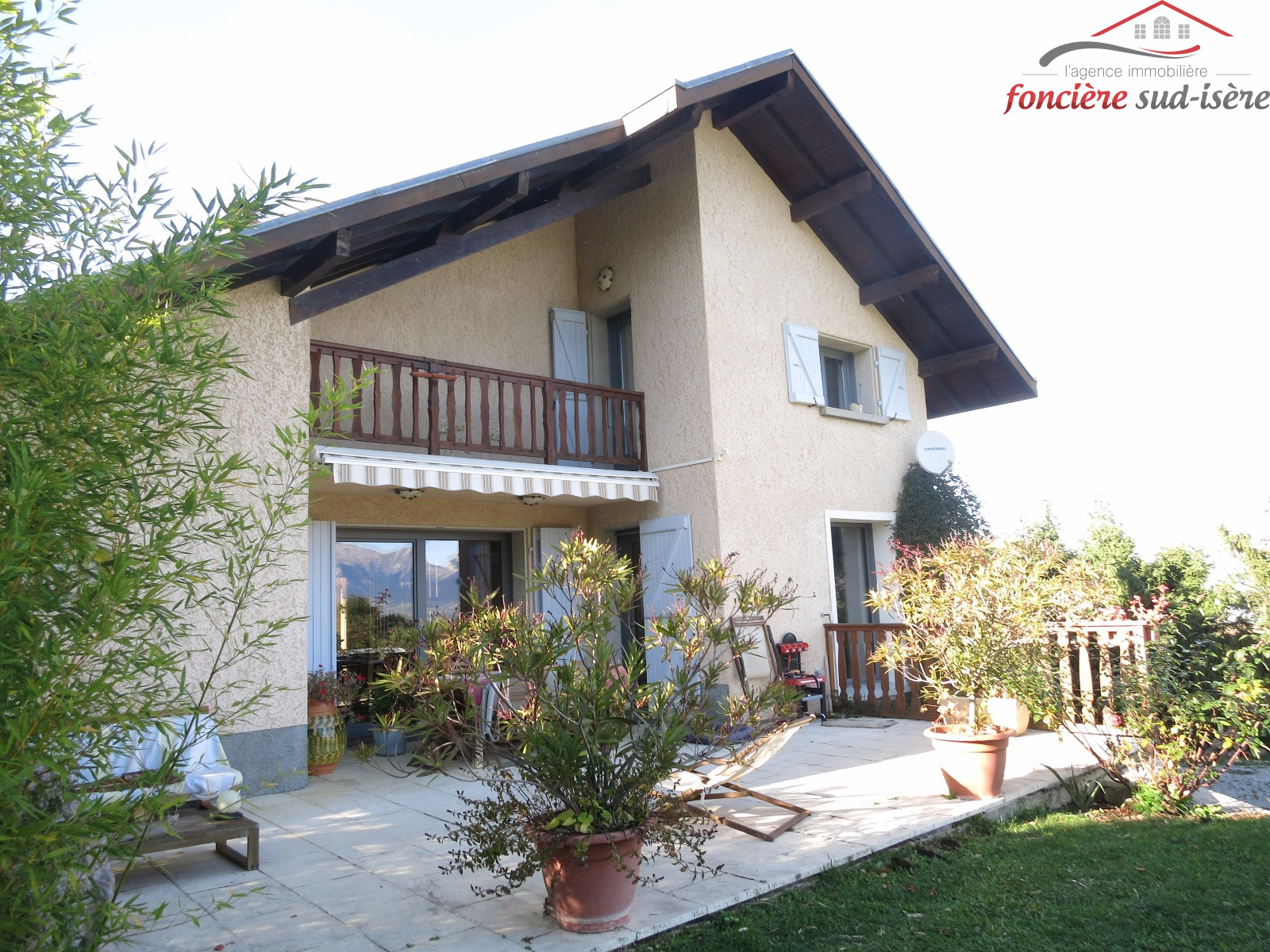 Vente belle maison d 39 habitation de 240m for Vente habitation